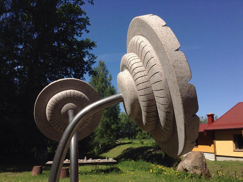 Mākslīgie ziedi - Ronalds Jaunzems Tēlnieks