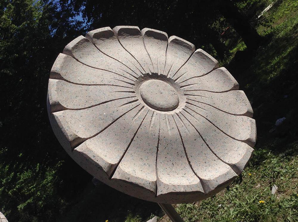 Akmens ziedi Ronalds Jaunzems
