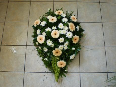Sēru ziedu grozs no gerberām