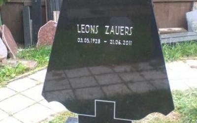 Заказать памятник на могилу цена риге купить памятники на кладбище гранитные