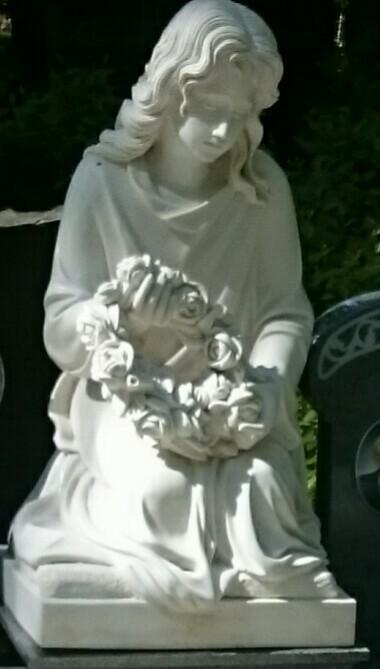 Marmora skulptūra pieminekļu ansamblim