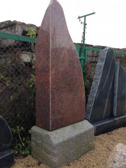 Pulēts laukakmens piemineklis_1