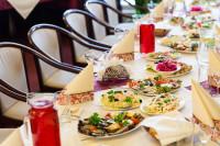 Galda klāšana Aleksandrs restorāns