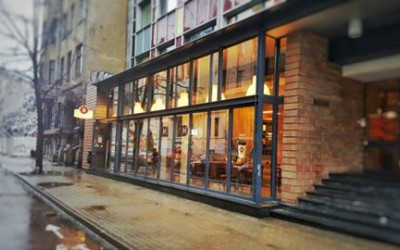 Banketu zāles Aleksandrs restorāns, Centrs