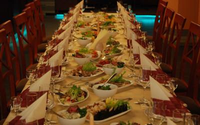 Sēru mielasts galda klāšana Aleksandrs restorāns, Centrs