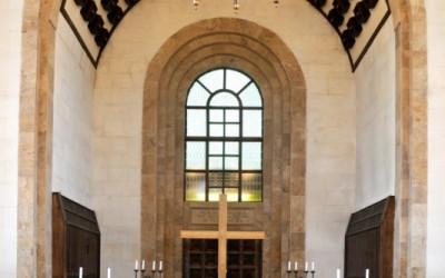 Rīgas krematorija atvadu zāle ir lielākā un greznākā Latvijā