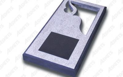 Kapu apmale vienvietīga, slēgta, ar diviem izgriezumiem un plāksni / Надгробие одиночное, закрытое, с двумя вырезами и пластиной