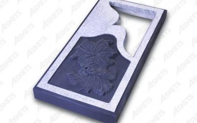 Kapu apmale vienvietīga, slēgta, ar izgriezumu un zīmējumu (lilijas) / Надгробие одиночное, закрытое, с вырезом и рисунком (лилии)