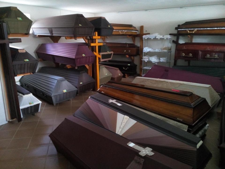 Гробы -