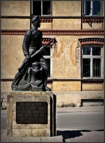 Cēsu Pulka Skolnieku rotas piemineklis Fotogalerija