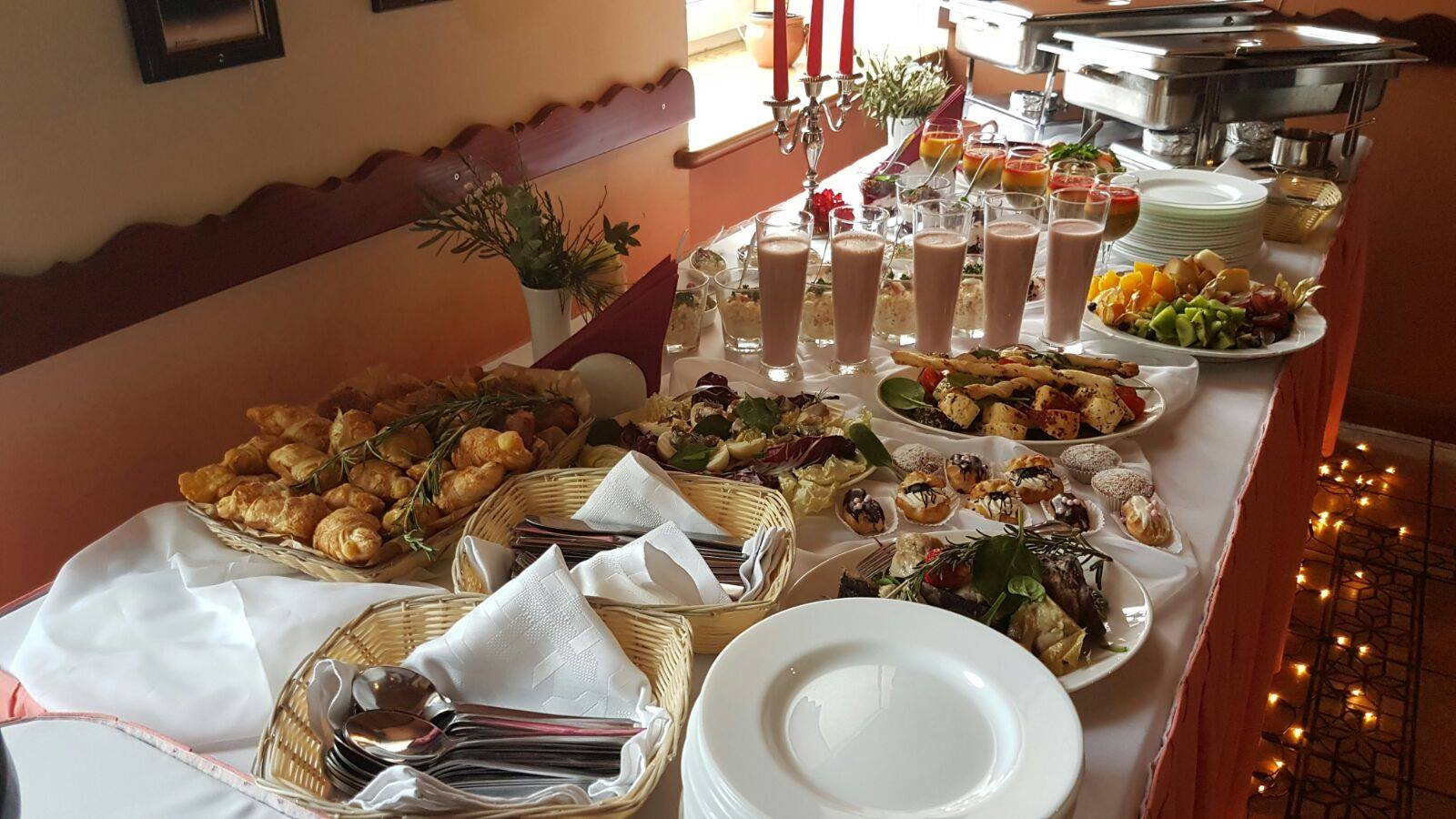 Galda klāšana bērēm Policijas akadēmija 98 restorāns