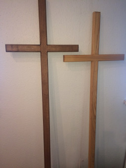 Wooden crosses (Lutheran / Catholic), of oak and ash