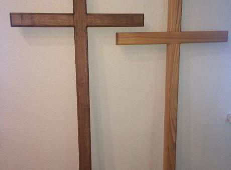 Деревянные кресты (лютеранские / католические) из дуба и ясеня