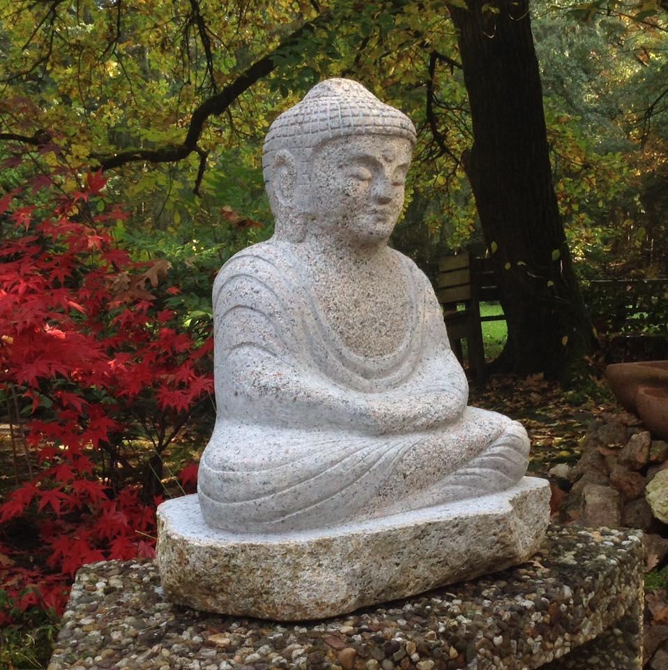 Budda granītā