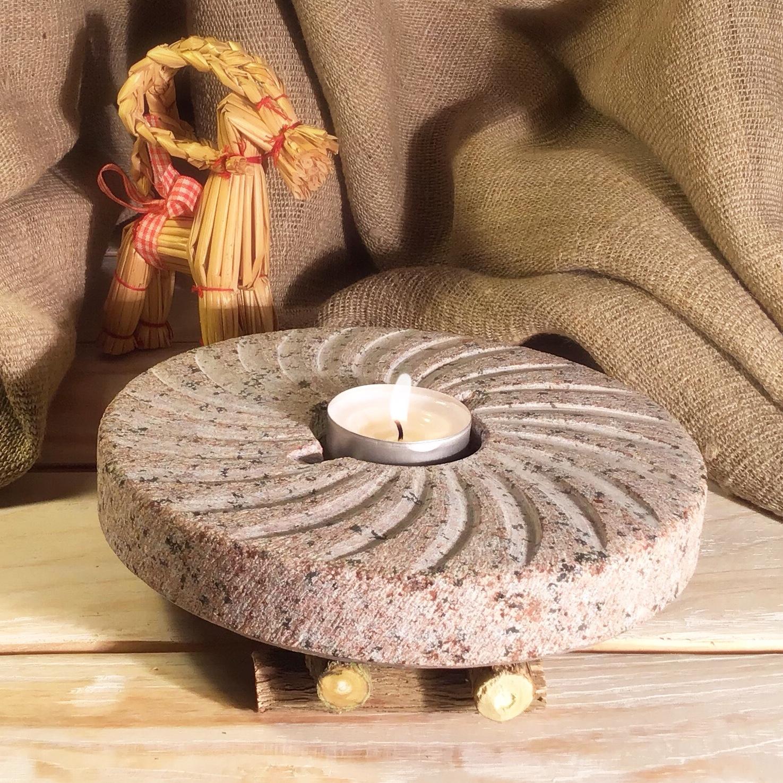 Kā ekoloģisks un pilnīgi dabīgs dabas materiāls, tas labi iederēsies kombinācijā ar lina galdautu, koka, salmu un citiem rokdarbu elementiem.
