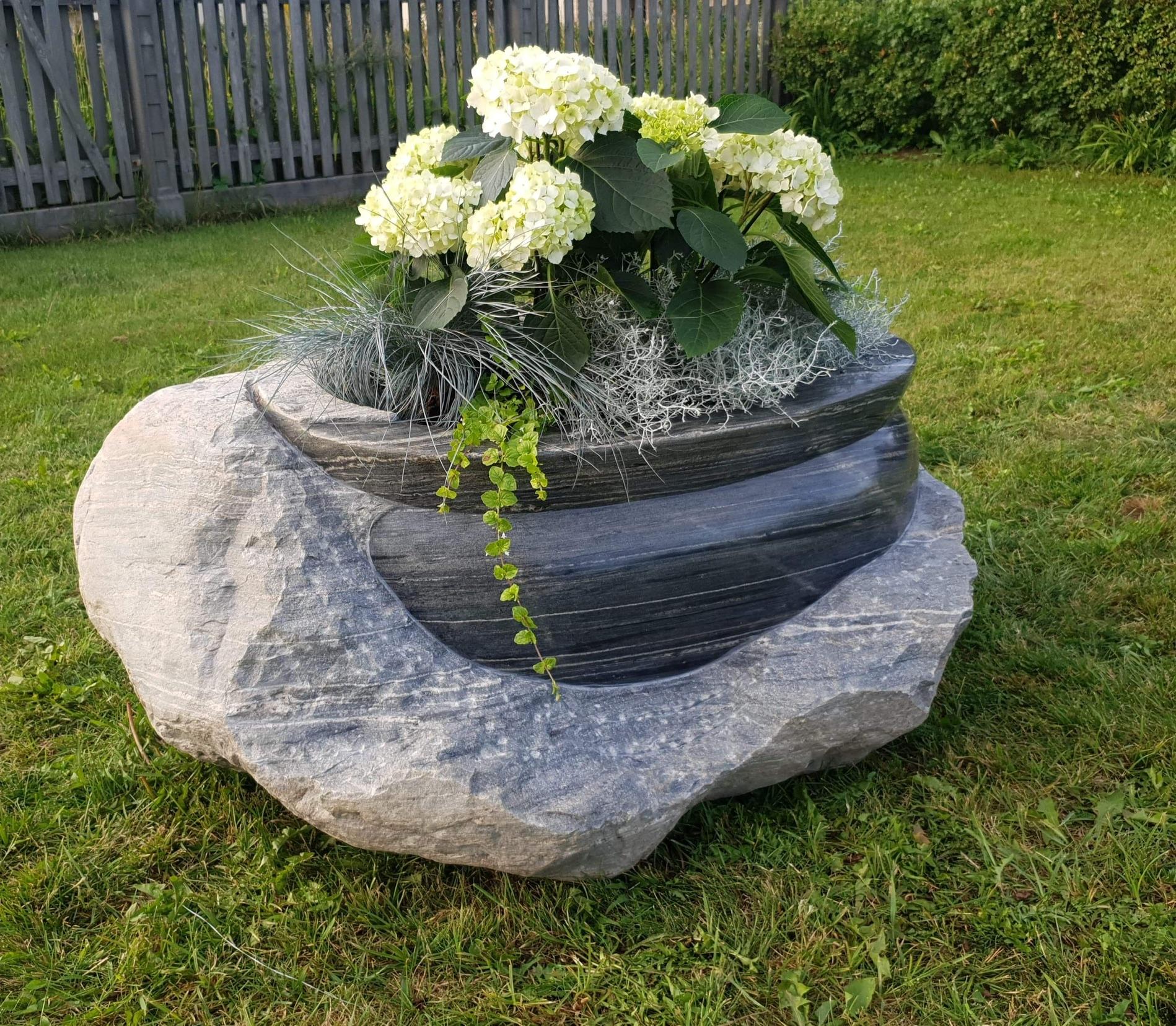 Puķupods ar dabīgajiem ziediem