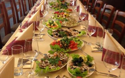 Aleksandrs restorāns, Centrs/ Bēru mielasts galda klāšana Aleksandrs restorāns, Centrs