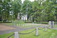 """""""Senlatviešu karavīrs"""" - piemineklis 1919.gada brīvības cīņās kritušajiem"""