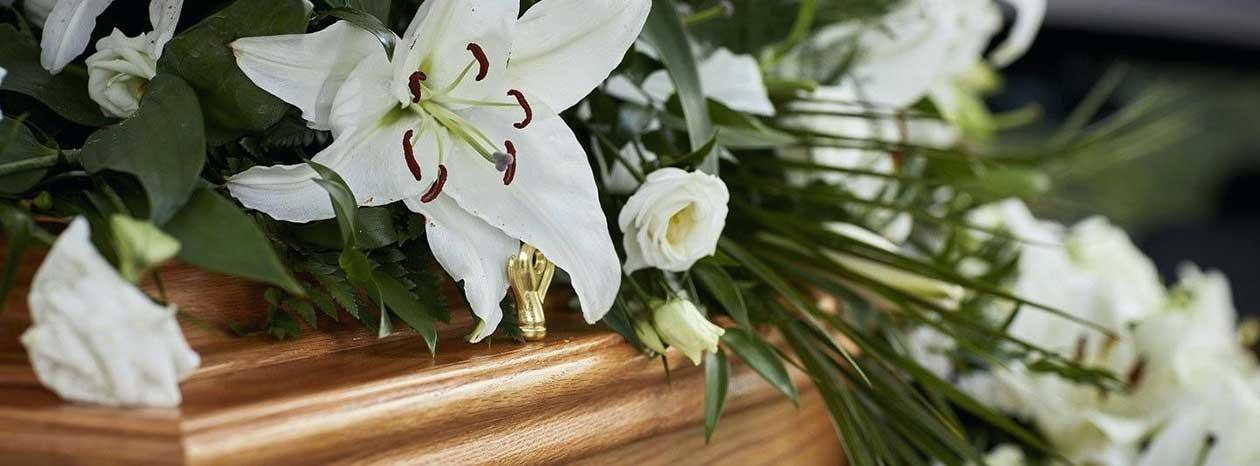 Kremācija  - Kā Apglabāt Kremēta Cilvēka Mirstīgās Atliekas