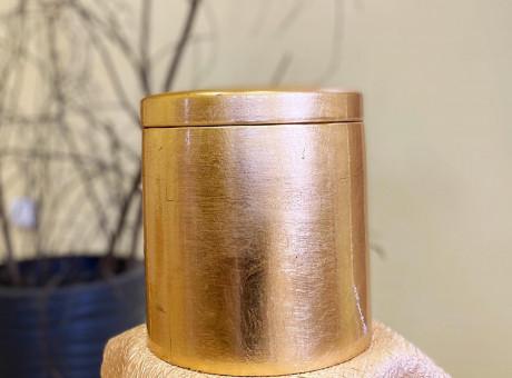 Dekoratīvas urnas.