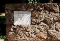 Piemiņas zīme skolotājam Oto Feldmanim Dobelē