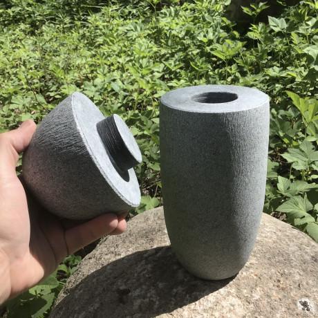 Akmens kremācijas urna